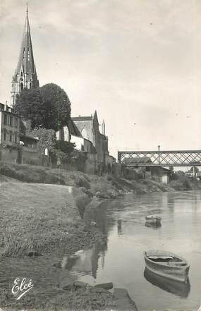 """CPSM FRANCE 33 """"Langon, L'Eglise et l'entrée du Pont"""""""