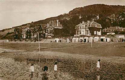 """CPSM FRANCE 14 """"Houlgate, la plage et les villas"""""""