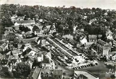 """/ CPSM FRANCE 44 """"La Baule, l'hôtel des postes, le jardin public"""""""