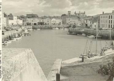 """/ CPSM FRANCE 17 """"Ile de Ré, Saint Martin de ré, le port, vue générale"""""""