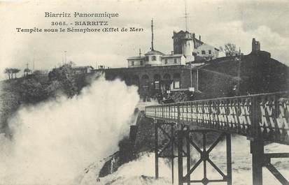 """/ CPA FRANCE 64 """"Biarritz, tempête sous le sémaphore"""" / BIARRITZ PANORAMIQUE"""