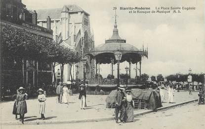 """/ CPA FRANCE 64 """"Biarritz, la place Sainte Eugénie """" / BIARRITZ MODERNE"""