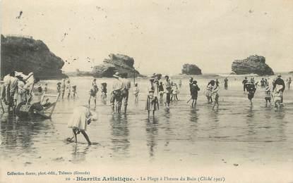 """/ CPA FRANCE 64 """"Biarritz, la plage à l'heure du bain"""" / BIARRITZ ARTISTIQUE"""