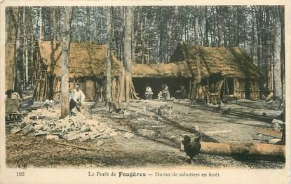 """CPA FRANCE 35 """"La Forêt de Fougères, Huttes de Sabotiers"""""""