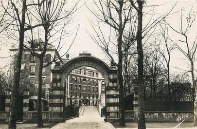 """/ CPSM FRANCE 92 """"Neuilly, entrée de l'hôpital américain"""""""