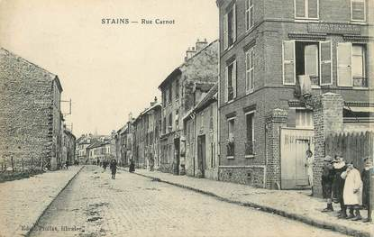 """/ CPA FRANCE 93 """"Stains, rue Carnot """""""