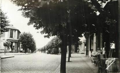 "/ CPSM FRANCE 93 ""Stains, rue Jean Jaurès"