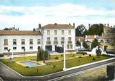 """33 Gironde / CPSM FRANCE 33 """"Pauillac, place De Lattre de Tassigny"""""""