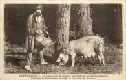 """24 Dordogne CPA FRANCE 24 """"En Périgord, chercheur de truffes et sa truie"""" / COCHON"""