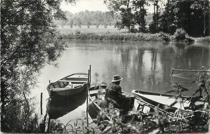 """/ CPSM FRANCE 77 """"Reuil en Brie, un bon coin de pêche"""""""