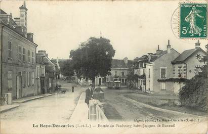 """CPA FRANCE 37 """"La Haye Descartes, entrée du faubourg Saint Jacques"""""""