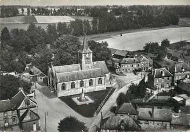 """/ CPSM FRANCE 76 """"Isneauville, place de l'église"""""""