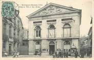 """01 Ain / CPA FRANCE 01 """"Bourg en Bresse, hôtel de ville et rue Bichat"""""""