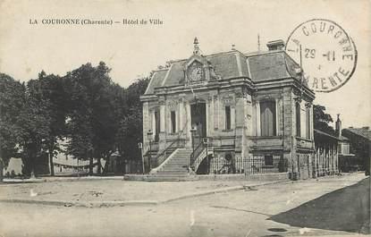 """CPA FRANCE 16 """"La Couronne, Hotel de ville"""""""