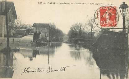 "/ CPA FRANCE 94 ""Bry sur Marne, rue Daguerre"" / INONDATIONS"