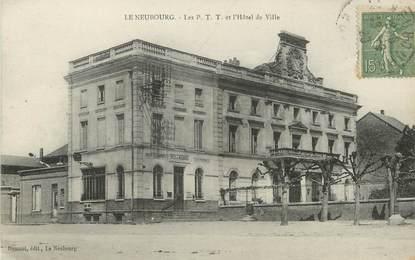 """/ CPA FRANCE 27 """"Le Neubourg, les P.T.T et l'hôtel de ville"""""""