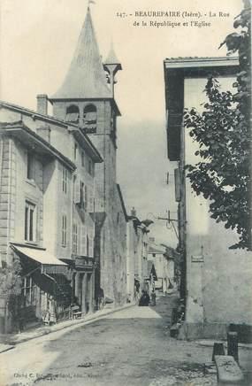 """/ CPA FRANCE 38 """"Beaurepaire, la rue de la République et l'église"""""""