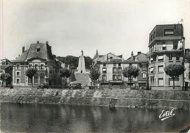 """/ CPSM FRANCE 55 """"Verdun, la quai de Londres et le monument de la Victoire"""""""