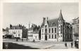 """/ CPSM FRANCE 58 """"Nevers, place Carnot, caisse d'Epargne """" / CE / BANQUE"""