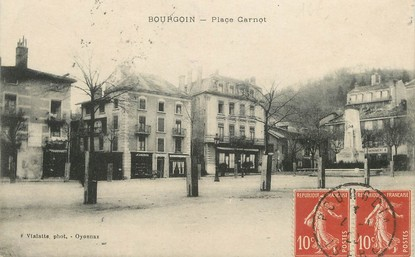 """/ CPA FRANCE 38  """"Bourgoin, place Carnot"""""""