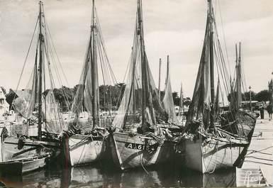 """CPSM FRANCE 44 """"Le Pouliguen, bateaux de pêche"""""""