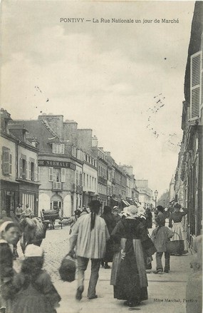 "/ CPA FRANCE 56 ""Pontivy, la rue nationale"""