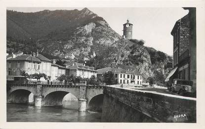 """/ CPSM FRANCE 09 """"Tarascon sur Ariège, l'ancienne tour du château"""""""