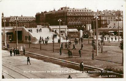 """CPSM FRANCE 33 """"Bordeaux, le port autonome, les grands escaliers du quai"""""""