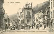 """63 Puy De DÔme CPA FRANCE 63 """"Le Mont Dore, bifurcation des routes de la Bourboule et de Clermont Ferrand"""""""